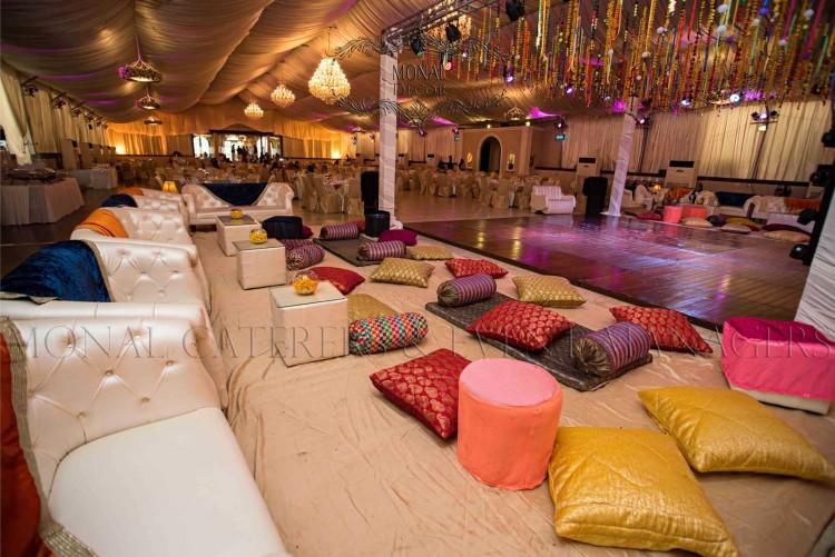 lounges+floor sitting+dance floor