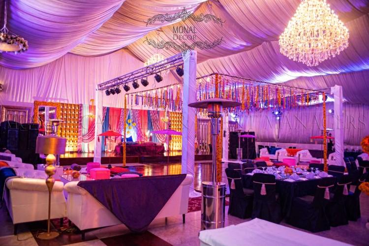 stage side+dance floor
