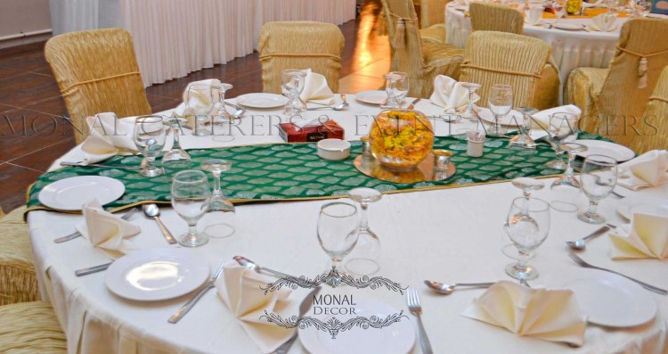 table runner_green